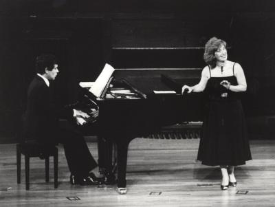 Rogelio R. Gavilanes y Pura María Martínez. Concierto Música española de la Generación de la República