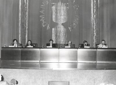 José María Guelbenzu. Conferencia sobre Géneros literarios y géneros filosóficos: una frontera permeable - IV Seminario Público Literatura y Filosofía en la crisis de los géneros