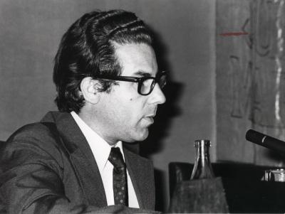 Luciano García Lorenzo. Conferencia sobre Laberinto buscando salidas