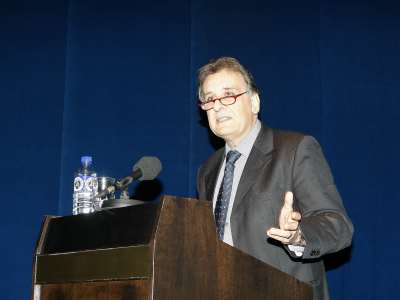 Alessandro Ferrara. conferencia sobre Universalidad ejemplar - La fuerza del ejemplo: un nuevo universalismo