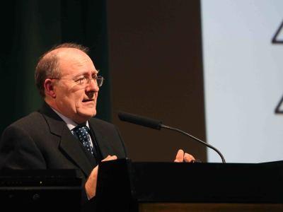 José Luis Villacañas. En conferencia sobre Una historia del poder en España: prácticas, hábitos y estilos políticos