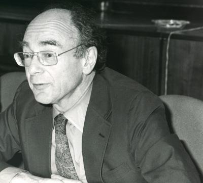 Stanley Hoffmann. Conferencia sobre Papel de USA en el mundo internacional, actual y futuro