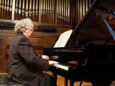 Humberto Quagliata. Concierto 1900-2000 Una muestra del piano español del siglo pasado - Aula de (Re)estrenos (70)