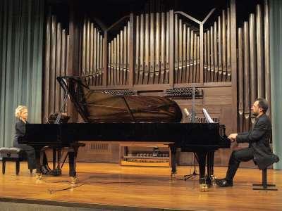 Atlantis Piano Dúo, Heidi Sophia Hase y Eduardo Ponce. Concierto