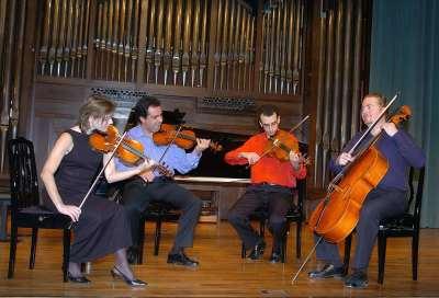 Cuarteto Bretón, Antonio Cárdenas, John Stokes, Anne Marie North, Iván Martín y Aurelio Viribay. Concierto Ernesto Halffter en su centenario