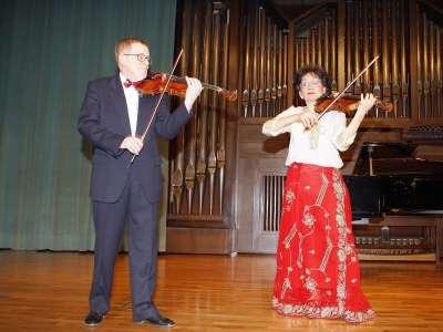 Dúo de Violines de Múnich, Luis Michal y Martha Carfi. Concierto Bartók, música de cámara