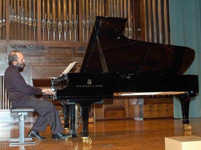 Kennedy Moretti. Concierto Mass clásica. Músicas para la exposición Roy Lichtenstein: de principio a fin