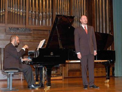 Kennedy Moretti y José Antonio López. Concierto Mass clásica. Músicas para la exposición Roy Lichtenstein: de principio a fin