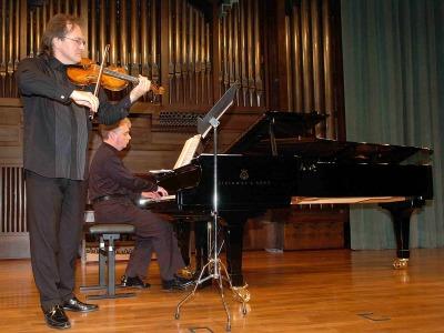 Serguei Teslia y Serguei Bezrodny. Concierto Mass clásica. Músicas para la exposición Roy Lichtenstein: de principio a fin