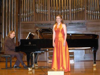 Gudrún Ólafsdóttir y Juan Antonio Álvarez Parejo. Concierto Música nórdica. En el centenario de Edvard Grieg