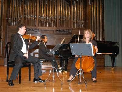 Intémpore Piano Trio, Rubén Darío Reina, Barbara Switalska y Paulo Brasil. Concierto Joaquín Turina (2008)