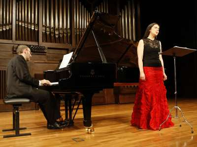 María Espada y Kennedy Moretti. Concierto Antropofagia musical. Tres conciertos con motivo de la exposición Tarsila do Amaral