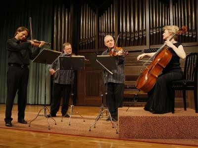 Brodsky Quartet, Joan Rowland, Ian Belton, Paul Cassidy y Jacqueline Thomas. Concierto Opus finales