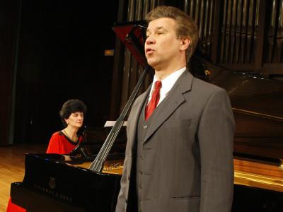 Margit Haider-Dechant y Steven Scheschareg. Concierto Brahms, el progresista: un programa de Schoenberg