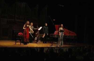 Ensemble Ausonia, Eugénie Warnier y Frédérick Haas. Concierto Música galante en el salón francés