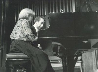 Ana Bogani y Fernando Puchol. Concierto Piano a cuatro manos (1985)