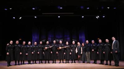 Ensemble Basiani y Miguel Ángel Marín. Concierto Polifonías de Georgia - A coro