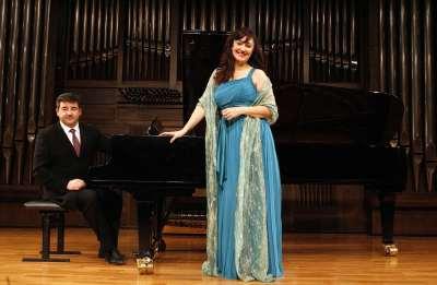 Mª José Montiel y Miquel Estelrich. Concierto Turina en París
