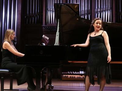 Anna Barbero Beerwald y Paloma Chisbert Baviera. Concierto Recital de canto y piano