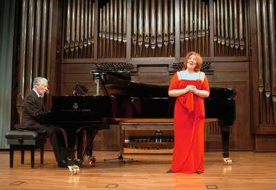 Mª Cristina Rigoni Villahoz y Rogelio R. Gavilanes. Concierto Recital de canto y piano