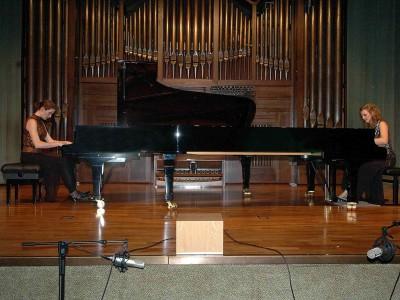 Dúo Scarbó, Elena Hammell y Laura Sánchez. Concierto Recital de dúo de piano