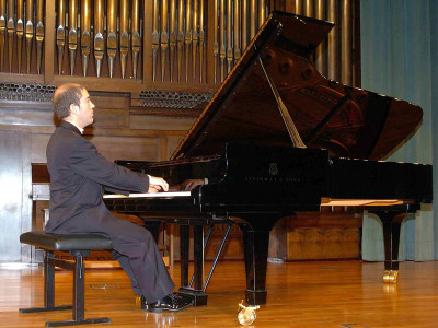 Kiev Portella. Concierto Recital de piano