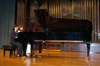 Coral Quevedo, Dúo Pianoforte y Paloma Gonzalez. Concierto Recital de piano a 4 manos