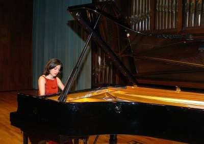 Karina Azizova. Concierto Recital de piano