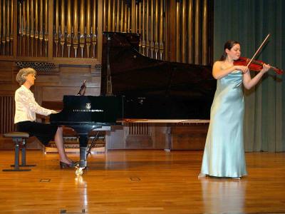 Katia Novell y Ana Menéndez. Concierto Recital de violín y piano