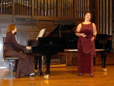 Tatiana Studonova y Sandra Galiano. Concierto Recital de canto y piano