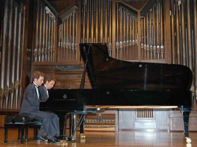 José María Curbelo y Oliver Curbelo. Concierto Recital de piano a 4 manos