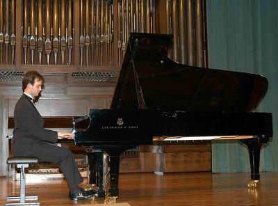 Héctor J. Sánchez. Concierto Recital de piano