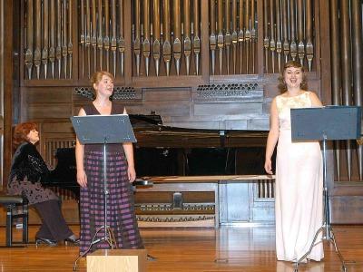 Agnieszka Grzywacz, Katarzyna Hanuszczyk y Madalit Lamazares. Concierto Recital de canto y piano