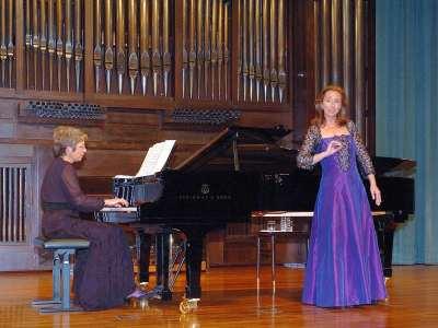Begoña García-Tamargo y Olga Semushina. Concierto Recital de canto y piano