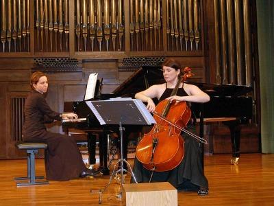 Dúo Assai, María Alcaide y María Lourdes Cabrero Seral. Concierto Recital de violonchelo y piano