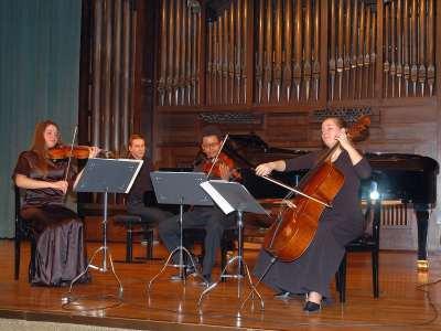 Grupo Metamorfosis, Nora Stankowsky, Lesster Frank Mejías, Gyöngyi Újházy y Gabor Monstori. Concierto Recital de música de cámara