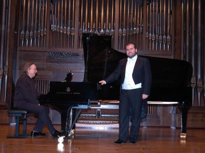Juan Antonio Álvarez Parejo y Luis Santana. Concierto Recital de canto y piano
