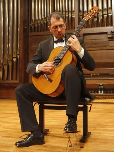 Juan Enrique Miguéns. Concierto Recital de guitarra