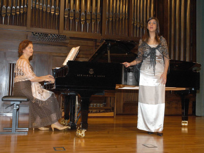 Paloma Camacho Acevedo y Maira Cosco. Concierto Recital de canto y piano