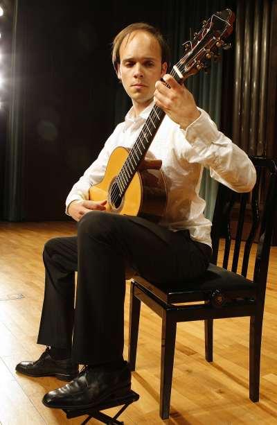 Eduardo Inestal. Concierto Recital de guitarra
