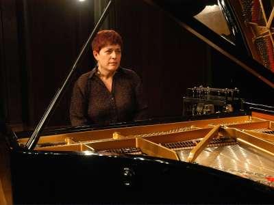 Adela Martín. Concierto Recital de piano