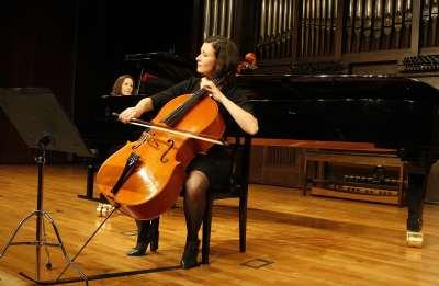 Pilar Guarné y Marina Comas. Concierto Recital de violonchelo y piano