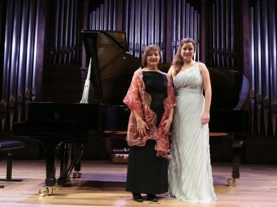 Paloma Camacho Acevedo Acevedo y Sandra Redondo. Concierto Recital de canto y piano