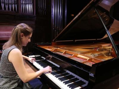 Cristina Lucio-Villegas. Concierto Recital de piano