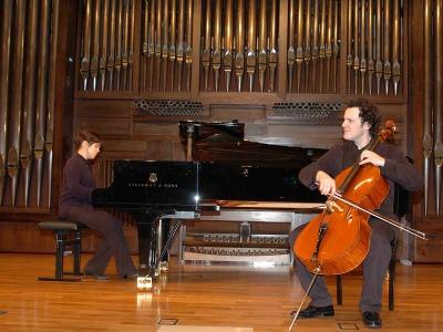 Marta Moll de Alba y Damián Martínez. Concierto El violonchelo español