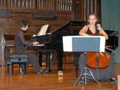 Suzana Stefanovic y Seon-hee Myong. Concierto El violonchelo español