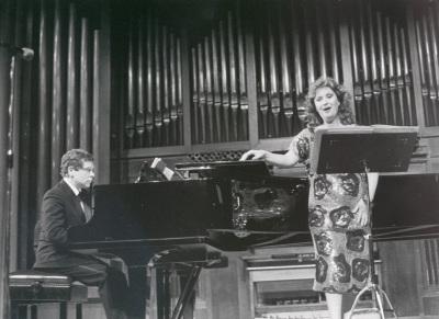Pura María Martínez y Rogelio R. Gavilanes. Concierto La canción en Cataluña - Canción española del siglo XX