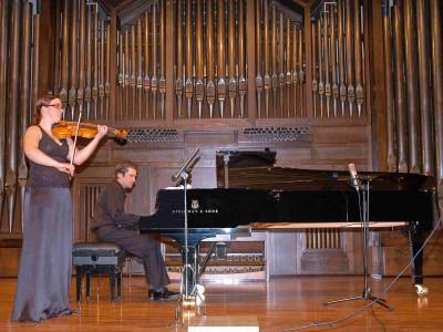 Lorea Aranzasti y Duncan Gifford. Concierto Cuarta tribuna de jóvenes intérpretes: el violín