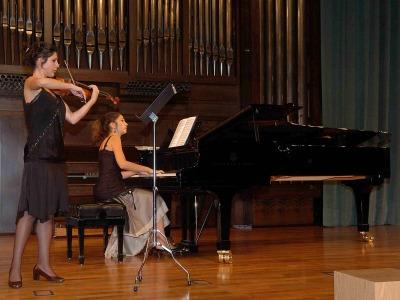 Ane Matxain Galdós Galdós y Vanya Cohen. Concierto Cuarta tribuna de jóvenes intérpretes: el violín