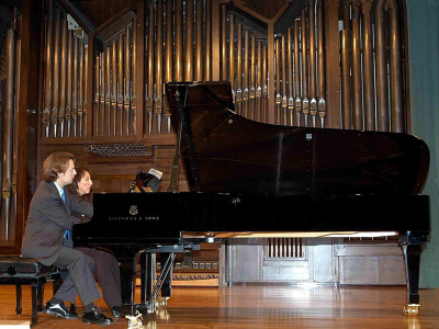 Julia Díaz Yanes y Iñaki Saldaña. Concierto El dúo pianístico a cuatro manos